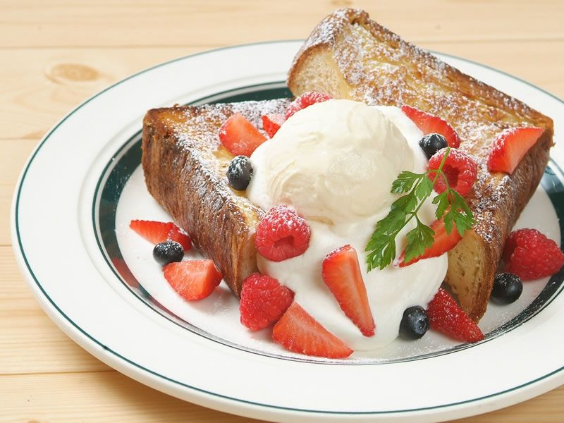 【東京メニュー】ミックスベリーのフレンチトースト